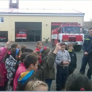 Druháci u hasičů